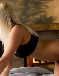 Vanessa is one of the hottest Babes we've ever had the chance to see: she is young with a fit body and her perfectly tanned skin makes her blonde hair stands out in the most beautiful way.
