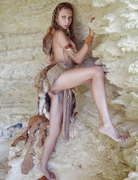 Like medicine men between ancient people, this sexy girl represents a mystery for the world. Check in to learn more about the secret she hold.