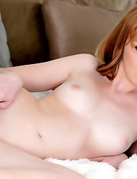 Marie McCray exposes her irresistible juicy breasts