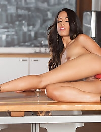 Gorgeous brunette Layla Sin loves toying her horny pussy