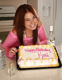 152 new pictures of Kari were added in this remastered gallery of Kari Sweets, wearing nothing but frosting as she celebrates her birthday.